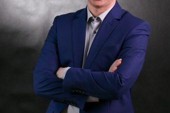 Maciej – Portret w studio